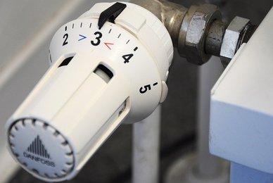 Plombier pour la purge ou l'entretien d'un radiateur
