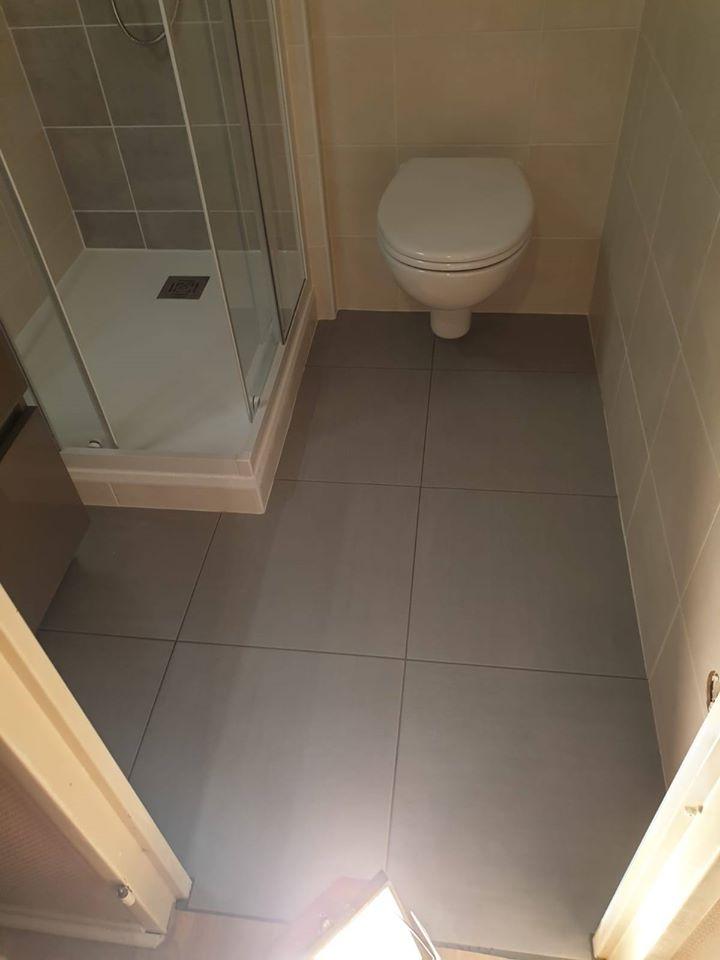 Pose de wc suspendu à Luchon