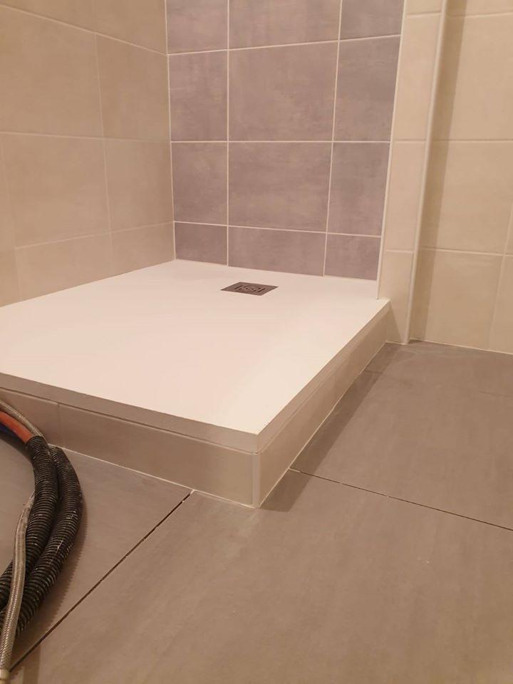 Changement bac de douche à Luchon